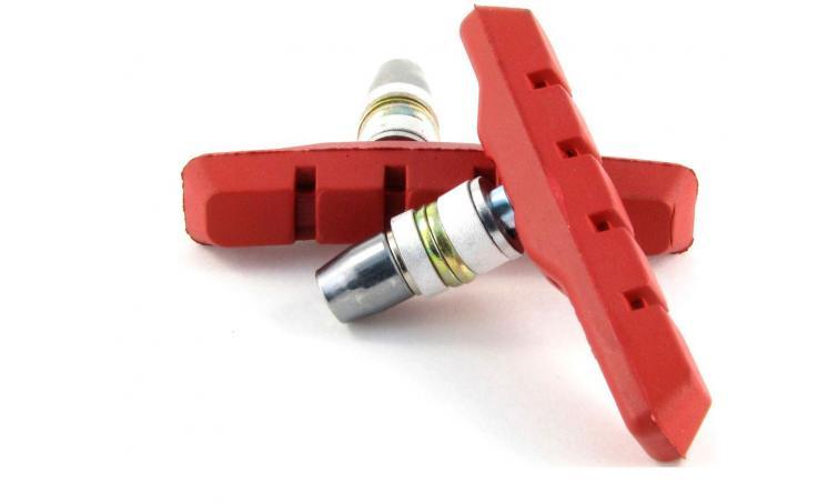 Торм. колодки 00-170112 с крепежом симетр. 70мм  красные